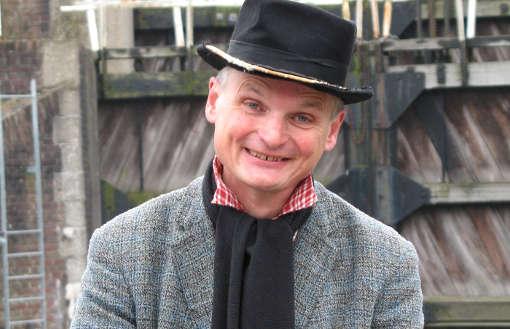 Stadswaneling Theater en Historie Verhalenverteller Johannes